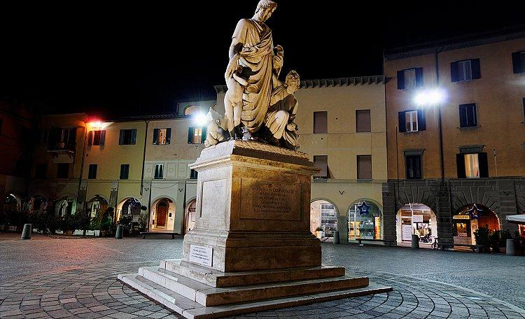 Dante Alighieri square -