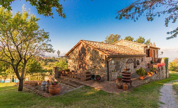 Agriturismo IL PRATONE (Video) - Nuovo video per questo splendido Agriturismo con Piscina in Maremma Toscana