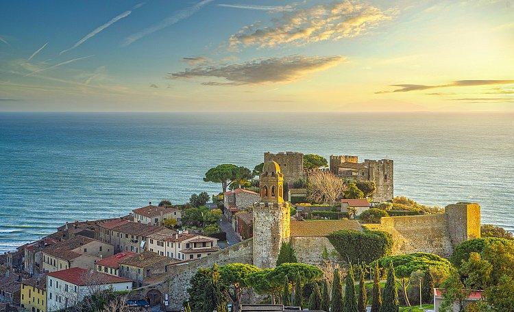 Castiglione della Pescaia ☀️ località dalle spiagge incantate - Castiglione della Pescaia è una rinomata e attrezzata località balneare di vacanze, famosa nel panorama turistico italiano e internazionale