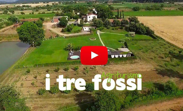Agriturismo I Tre Fossi  (Drohnenvideo) - Magliano in Toscana - Schönes Bauernhaus mit Swimmingpool in der toskanischen Maremma - Nur einen Steinwurf von der Terme di Saturnia entfernt
